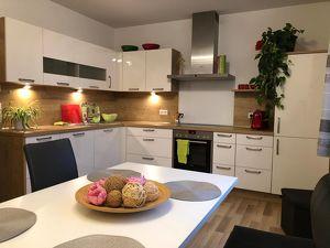 Stilvolle helle 3-Zimmer-Wohnung mit großzügigem und praktischen Schnitt in Top Lage - provisionsfrei!