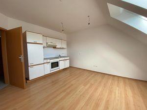 Sehr günstige 2-Zimmer-Wohnung in Rudersdorf mit Parkplatz! *Jetzt besichtigen*