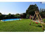 FÜR FAMILIEN! Mit 554 m² Grundstück + 312 m² Nutzfläche (inkl. Keller) auf 3 Etagen! Mit riesigem Garten - INKLUSIVE Pool!