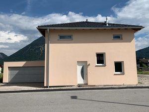 EFH mit 4 Schlafzimmern - Ortszentrum und doch im Grünen!