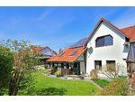 TOP gepflegtes und möbliertes Doppelhaus in Aschach mit großem Garten, Whirlpool, Keller, Garage und Carport!