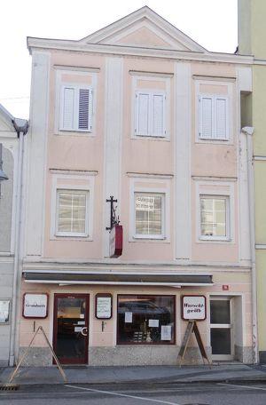 Stadtplatzhaus in Eferding zu verkaufen.