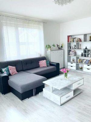 ZENTRUM GLOGGNITZ! - Neubau 2-Zimmer Eigentumswohnung mit KAMIN, LOGGIA & KFZ-ABSTELLPLATZ!