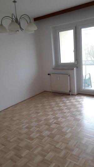 2-Zimmer-Wohnung mit Loggia und Garage