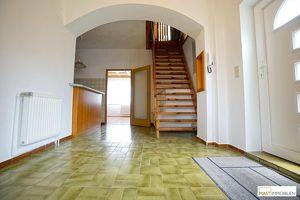Gut erhaltenes Einfamilienhaus mit großem Garten in Bad Deutsch-Altenburg - nur 30 Minuten von Wien!