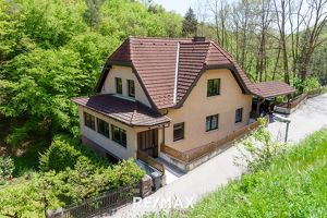 Wohnhaus am Kremser Stadtrand in Grünlage mit 2 Wohneinheiten