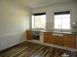 Leistbare 3 Zimmer Wohnung mit großem Küchen/Wohnbereich, 2km nach Wr. Neustadt und neuer B17!