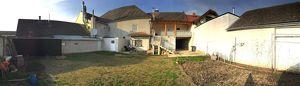 Großes Haus mit vermietbaren Lokalen