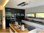Premium-Einfamilienhaus mit Doppelgarage und Pool in Hanglage