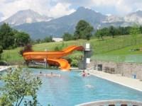 Schwimmbad der Gemeinde Hall
