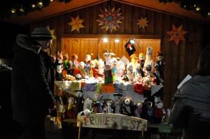 Adventmarkt in Schrems: Tschechisches Kunsthandwerk vor dem Kunstmuseum Waldviertel