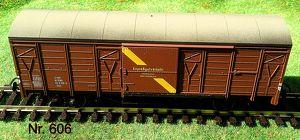 Nr. 606   Kleinbahn H0; Expressgut, bewegliche Türen, 2 achsig,