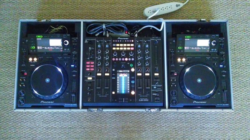 2x Pioneer CDJ 2000 + DJM 2000 + Transportkoffer