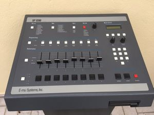 SP1200 E-MU Systems Sampling Percussion
