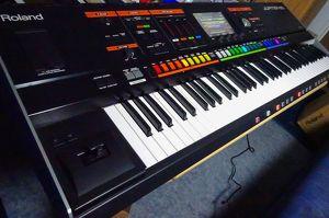 Roland Jupiter 80 V2 Synthesizer