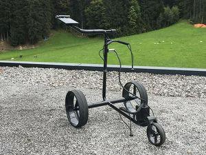 Elektrischer Golftrolley JuCad