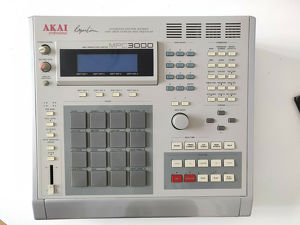 Akai  MPC 3000  Sampler & Sequenzer