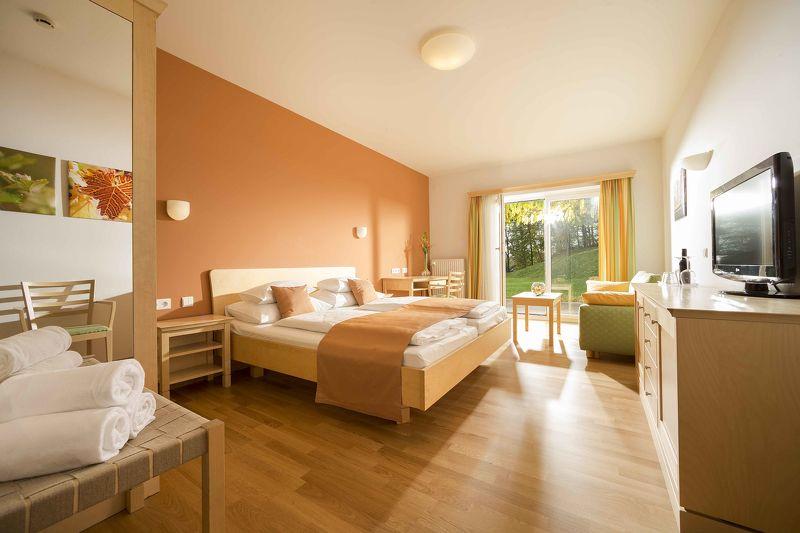 Zimmermädchen (w/m) / Housekeeping - 5-Tage-Woche, Teilzeit 25 Stunden im Hotel Staribacher