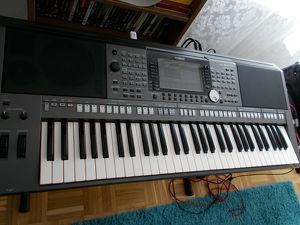 Yamaha PSR-S970 Arranger Workstation Keyboard
