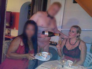 Nackter Butler / Kellner / Koch für Frauenparty gesucht