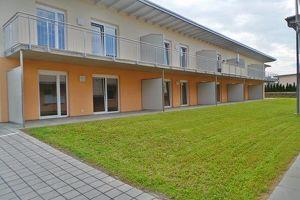 NEUBAU-ERSTBEZUG moderne, sonnige 3ZI mit 13m² Balkon Carport