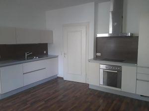 89 m² provisionsfreie Wohnung in Krankenhausnähe - auch für Wohngemeinschaft!