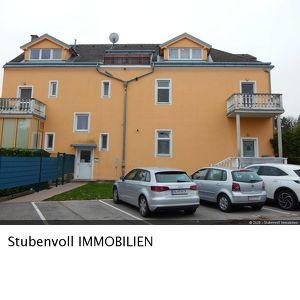 PROVISIONSFREIE - Helle 3 Zimmer Wohnung mit Balkon und PKW-Stellplatz - neu Ausgemalt
