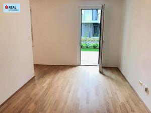 Günstige Einzimmerwohnung mit ruhiger Terrasse (gleich online besichtigen!)