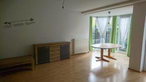 Sonnige 89m2 4 Zimmerwohnung mit Garten und Balkon auf Zwei Etagen
