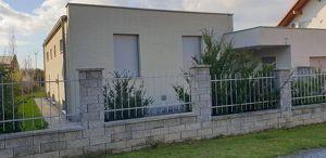 7 Jahre alt Familienhaus mit Keller, Doppelgarage. Grundstück 867m2.