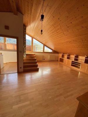 Schöne 3-Zimmer-Dachgeschosswohnung in Hall