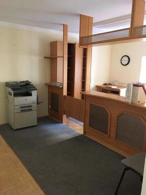 Großzügige Büro- oder Ordinationsfläche möbliert
