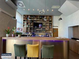 Cooles Lokal, Café-Restaurant-Bar in belebter Einkaufsstraße, TOPAUSSTATTUNG