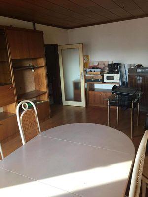 Wohnung zu mieten . 70 m2 3 Zimmer Zehntrahlheizung , zentral gelegen