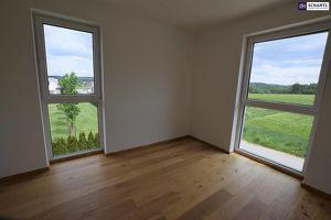 Jetzt einziehen - TRAUMHAFT: Stillvoller Erstbezug. 3-Zimmer. Hochmodern. Grünblick + Balkon + Carport.