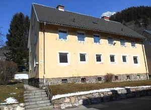 Haus in bester Lage mit großem Grundstück provisionsfrei zu kaufen! Ab € 390,-- mtl. Rückzahlung!