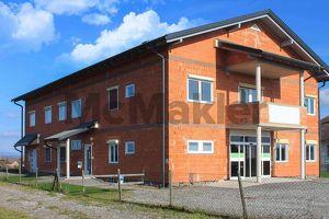 Großes Entwicklungspotenzial und 2 fertige Einheiten: 16-Zi.-Bürohaus mitten zwischen Wien und Graz