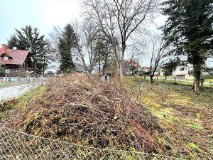 Baugrundstück mit ca. 2117 m² Fläche und einem Wohnhaus in Hart bei Graz