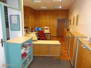 Sehr gepflegtes Büro/Gewerbeobjekt mit Lager, Lastenaufzug und Garage