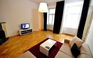 Helles, modern möbliertes Kurzzeit-Apartment, neben Votivpark und Schottentor