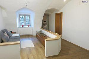 Krems-Stein: liebevoll sanierte 3-Zimmer Altbauwohnung mit Charme