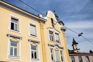 3-geschossiges Stilaltbaueckzinshaus mit großem Rohdachboden in Bruck a. d. Mur