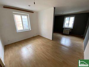 UNBEFRISTETER MIETVERTRAG! - Renovierungsbedürftige Wohnung mit großartiger Raumaufteilung!