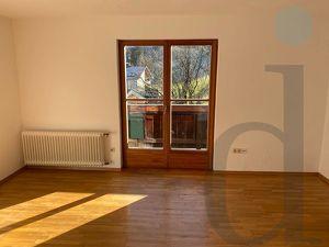 Großzügige, gepflegte und helle 100m² Wohnung mit Balkone in Werfen zu mieten!