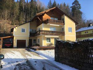 Schönes Mehrfamilienhaus in Ortsnähe