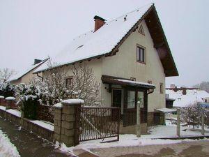 Gepflegtes Haus in ruhiger Aussichtslage
