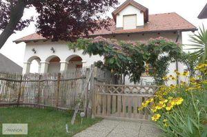 Parndorf - Gediegene Liegenschaft mit 2 Wohneinheiten