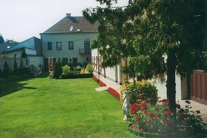 Haus mit großem Garten in Superlage im Ortszentrum,  auch als  Firmensitz, Praxis, Kanzlei