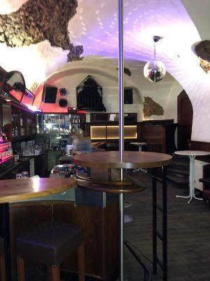 Club in der Herrengasse // im Zentrum von Wr. Neustadt