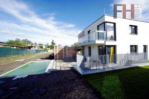 Schlüsselfertige, exklusive Villen, 4-5 Zimmer, 142m² Wohnfläche, Terrasse + Balkon, Pool optional!